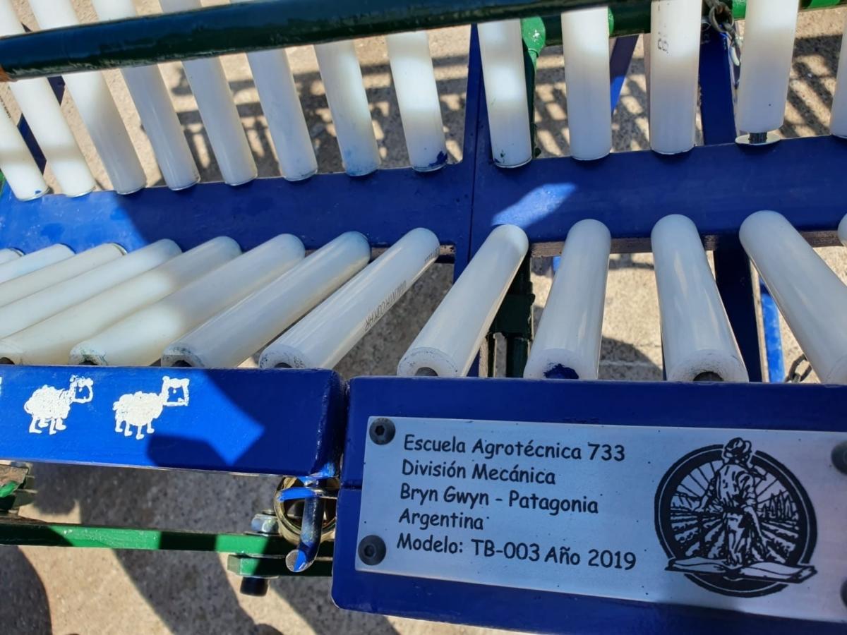 Sheep management equipment